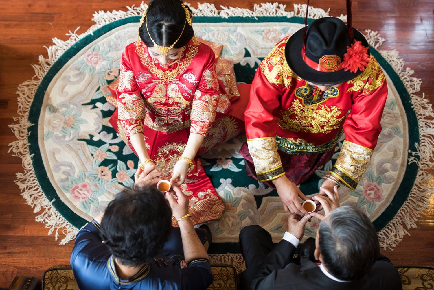 Chinese wedding tea ceremony offering tea to parents